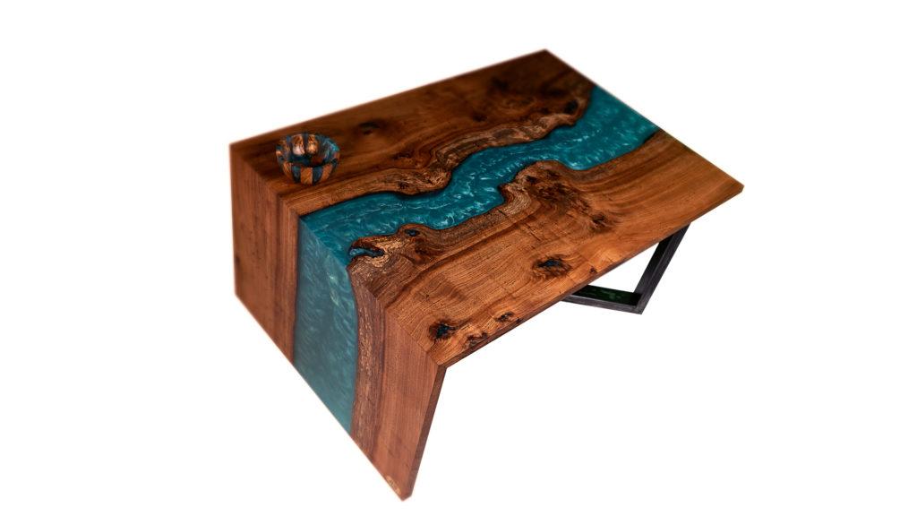 ABT menuiserie conçoit des meubles sur mesure en bois et résine à Bordeaux